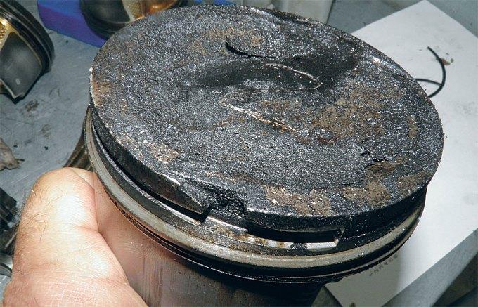 ...а механическим износом и поломкой, вызванными вибрацией сломанного при сборке кольца — нажмите, чтобы увеличить