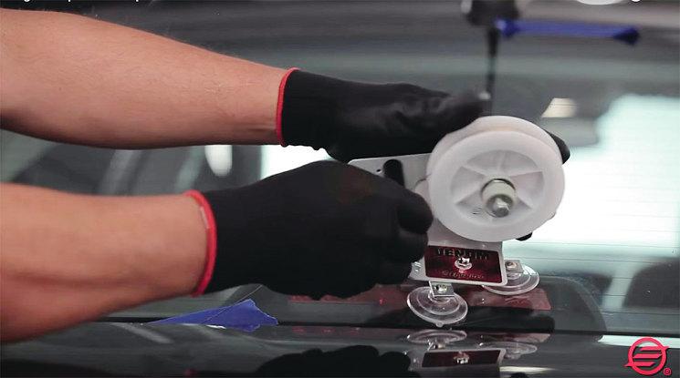 VENOM – платформа на присосках для удержания катушки со струной