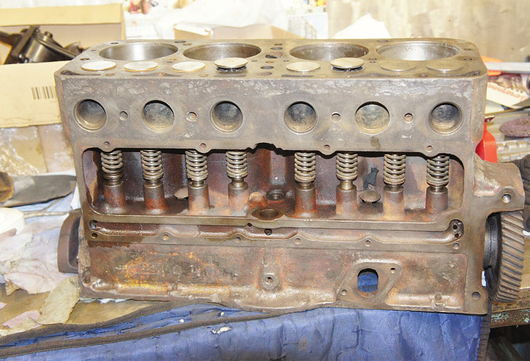 Блок двигателя военной «полуторки» ГАЗ-АА, поднятой со дна Ладожского озера. «СТО Дилижанс» занимается ее восстановлением