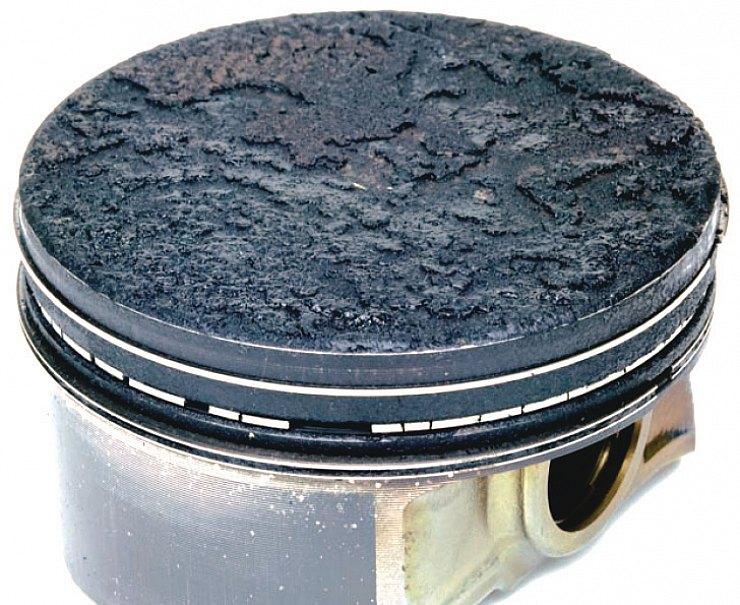 Разрушение поршневых колец — еще один явный признак низкого качества топлива