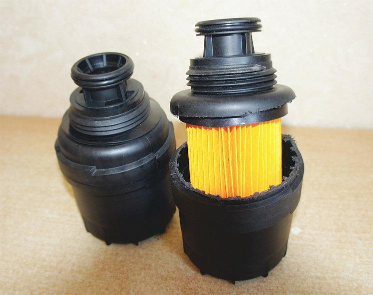 Некоторые производители выпускают неразборные масляные фильтры{amp}#xD;{amp}#xA;с пластмассомыми корпусами. Здесь показан фильтр дизеля Cummins,{amp}#xD;{amp}#xA;корпус разрезан