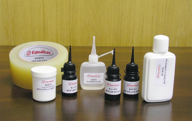 Набор автохимии, включая полимеры, для ремонта стекла